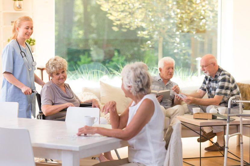 Ridiamo socialità agli anziani